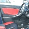 Красно-черный салон Hyundai Solaris. Перетяжка экокожей №11