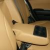 Бежевые авточехлы уровня перетяжки салона Nissan Tiida №4