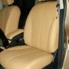 Бежевые авточехлы уровня перетяжки салона Nissan Tiida №7