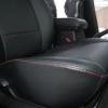 Черные авточехлы с красной строчкой для Suzuki Grand Vitara №4