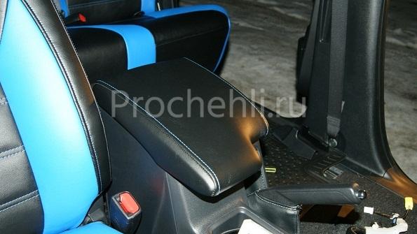 Авточехлы из черной экокожи