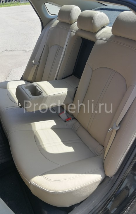 Чехлы для Hyundai Sonata 7 с эффектом перетяжки салона из бежевой экокожи Дакота №3
