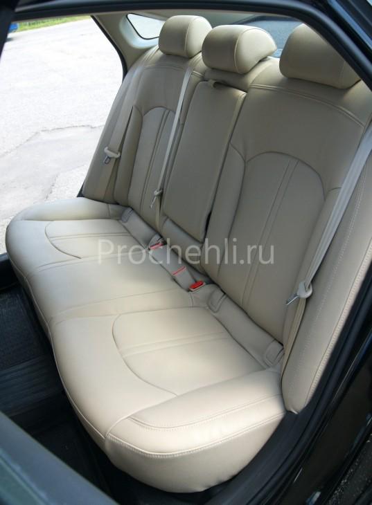 Чехлы для Hyundai Sonata 7 с эффектом перетяжки салона из бежевой экокожи Дакота №10
