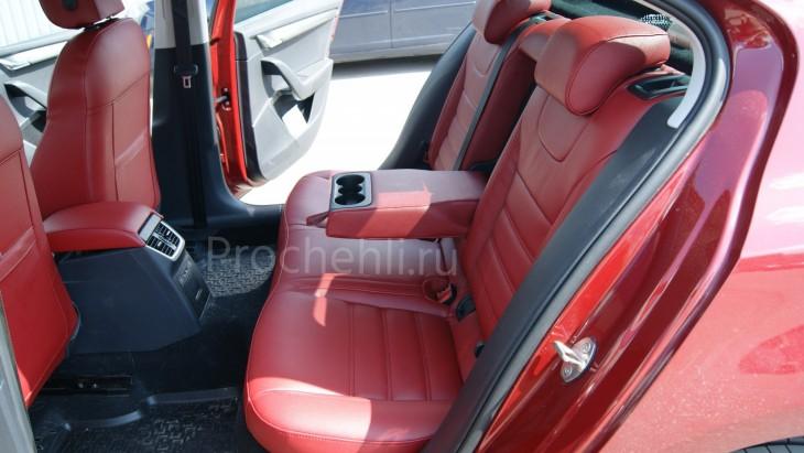 Каркасные авточехлы с эффектом перетяжки салона для Skoda Octavia A7 из бордовой экокожи №4
