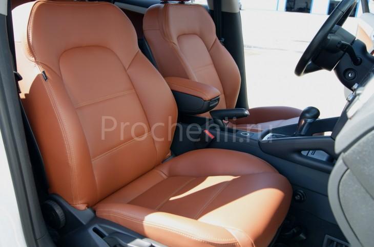 Чехлы на Audi A3 8P спорт салон с эффектом перетяжки салона из рыже-коричневой экокожи №6