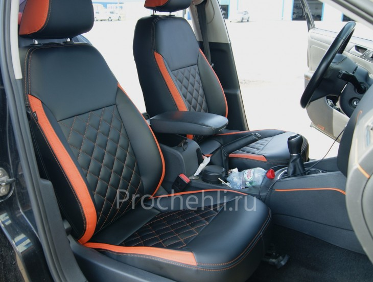 Каркасные чехлы с эффектом перетяжки на Volkswagen Jetta Trendline из черной и оранжевой экокожи №2