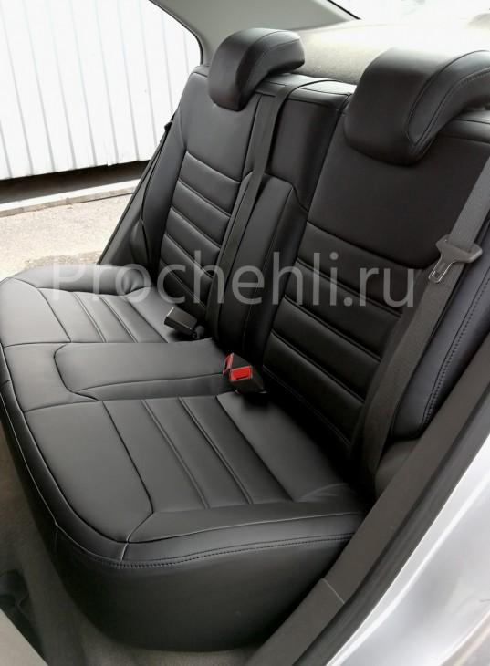 Чехлы на Chevrolet Cobalt c эффектом перетяжки из черной экокожи №3