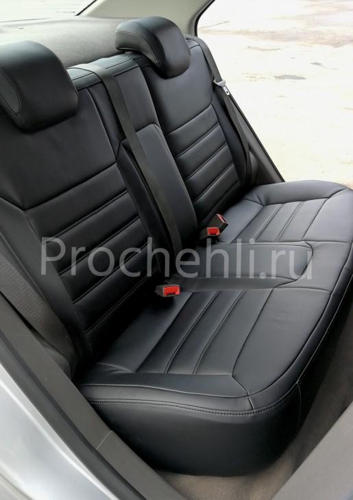 Чехлы на Chevrolet Cobalt c эффектом перетяжки из черной экокожи №4