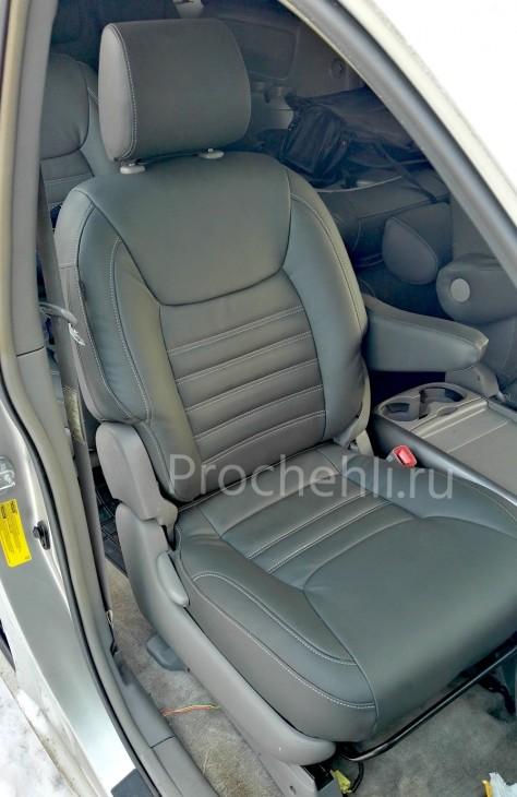 Каркасные чехлы для Toyota Sienna с эффектом перетяжки из экокожи №1