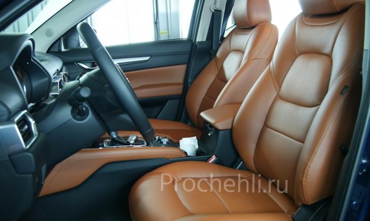 Каркасные авточехлы с эффектом перетяжки салона для Mazda CX-5 (2 поколение) из рыже-коричневой экокожи №1