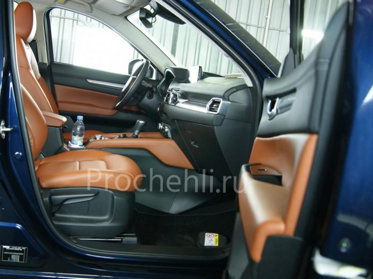 Каркасные авточехлы с эффектом перетяжки салона для Mazda CX-5 (2 поколение) из рыже-коричневой экокожи №6