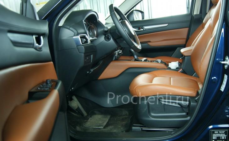 Каркасные авточехлы с эффектом перетяжки салона для Mazda CX-5 (2 поколение) из рыже-коричневой экокожи №11