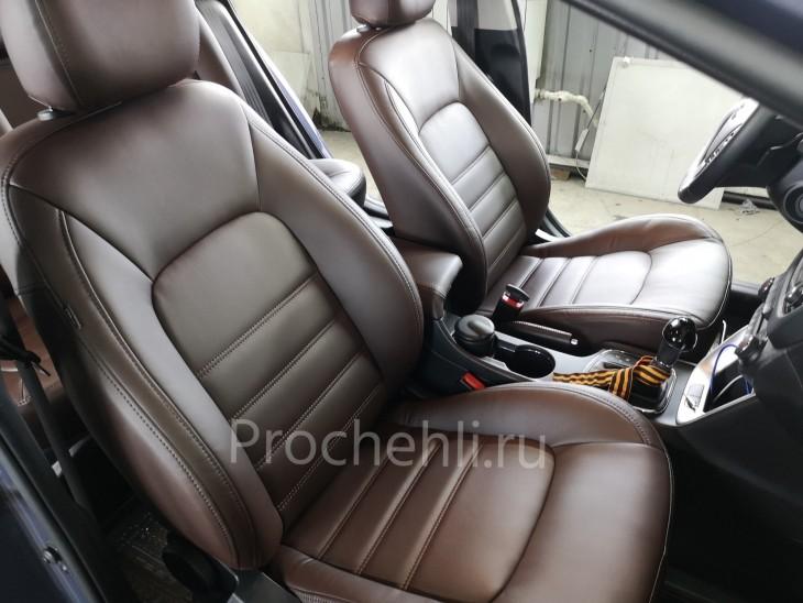 Каркасные авточехлы на Kia Ceed 2 JD из коричневой экокожи №1