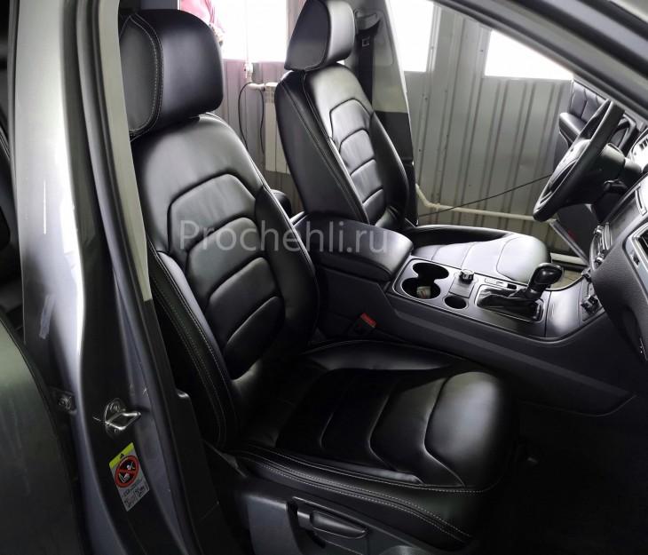 Каркасные чехлы для Volkswagen Touareg 2 из черной экокожи №1