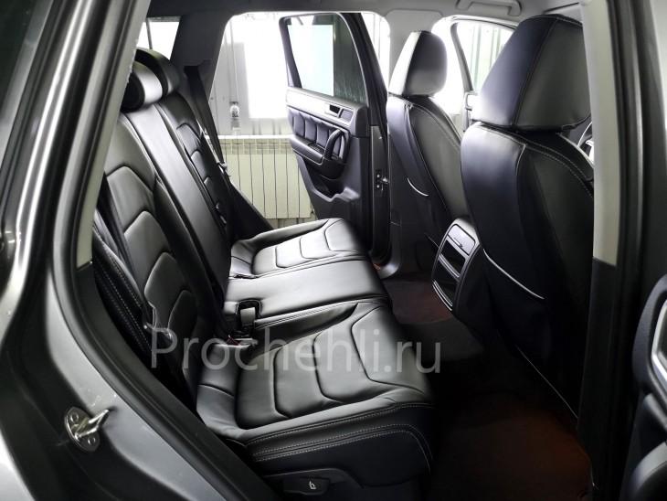 Каркасные чехлы для Volkswagen Touareg 2 из черной экокожи №2