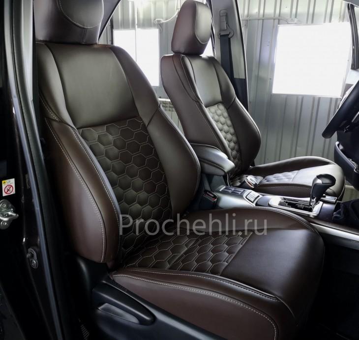Каркасные чехлы для Toyota Fortuner 2 из темно-коричневой экокожи №1