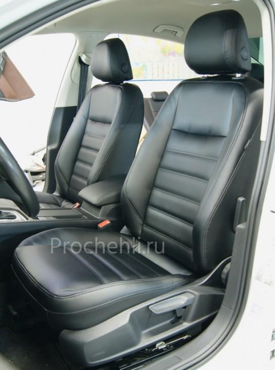 Каркасные авточехлы  для VW Passat B8 из черной экокожи №2
