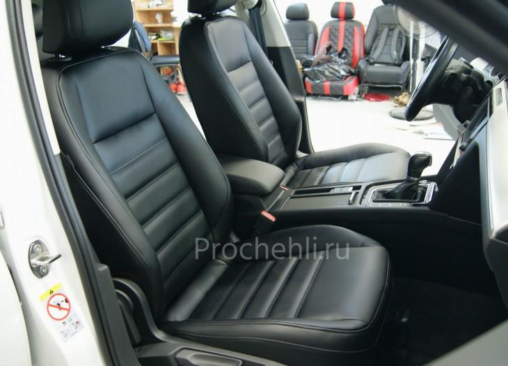 Каркасные авточехлы  для VW Passat B8 из черной экокожи №1