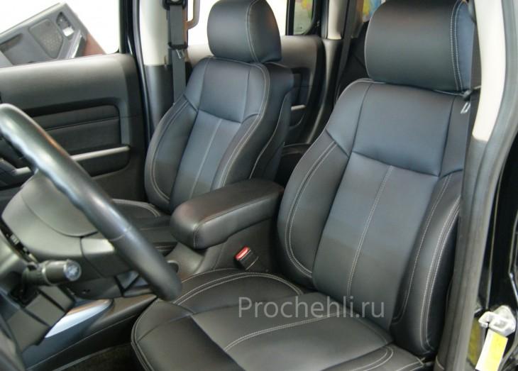 Каркасные авточехлы для Hummer H3 из черной и серой экокожи №1