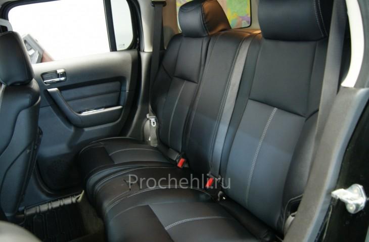 Каркасные авточехлы для Hummer H3 из черной и серой экокожи №6