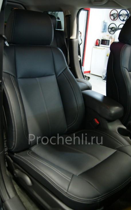 Каркасные авточехлы для Hummer H3 из черной и серой экокожи №7