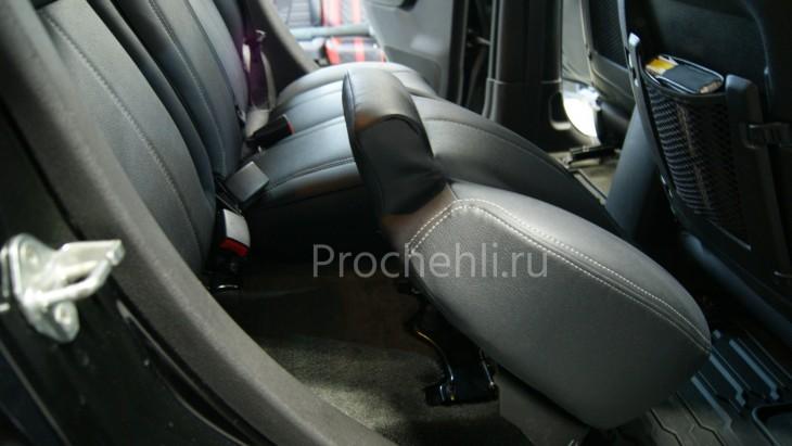 Каркасные авточехлы для Hummer H3 из черной и серой экокожи №8