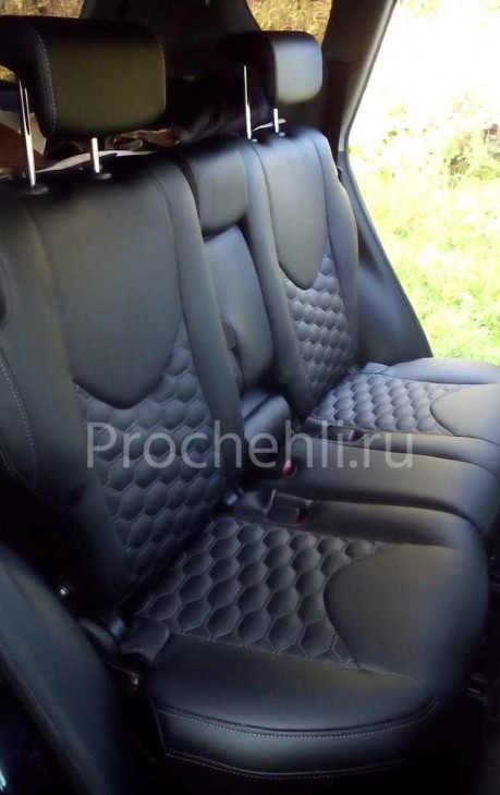Каркасные авточехлы на Toyota RAV 4 (XA30) из черной экокожи с отстрочкой сотами №5