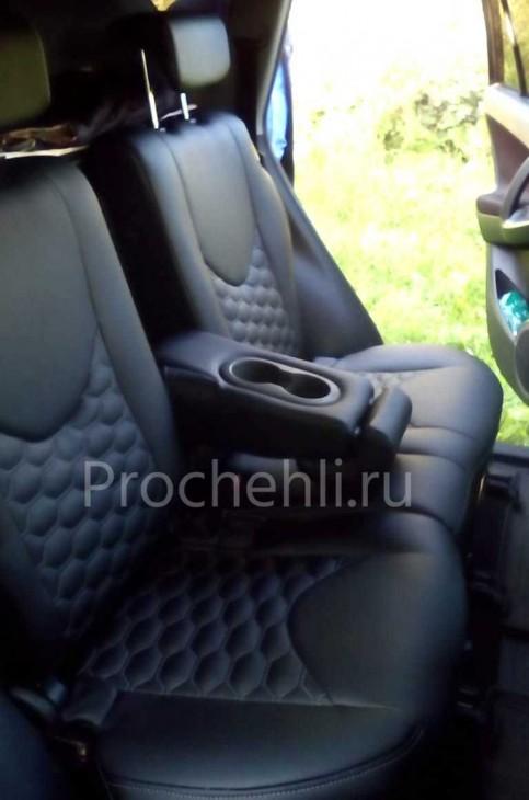 Каркасные авточехлы на Toyota RAV 4 (XA30) из черной экокожи с отстрочкой сотами №6