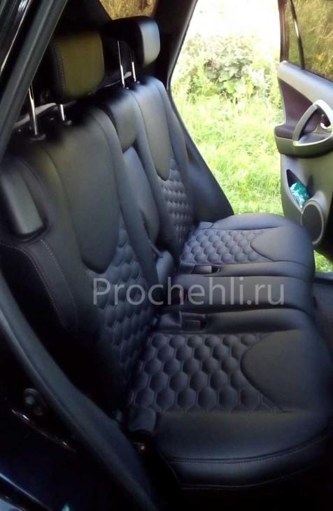 Каркасные авточехлы на Toyota RAV 4 (XA30) из черной экокожи с отстрочкой сотами №8