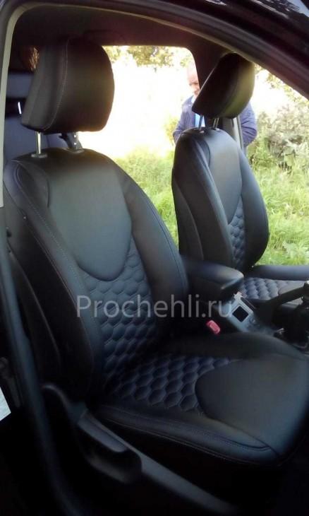 Каркасные авточехлы на Toyota RAV 4 (XA30) из черной экокожи с отстрочкой сотами №4