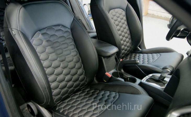 Каркасные чехлы для Kia Ceed 3 из черной экокожи с отстрочкой сотами №3