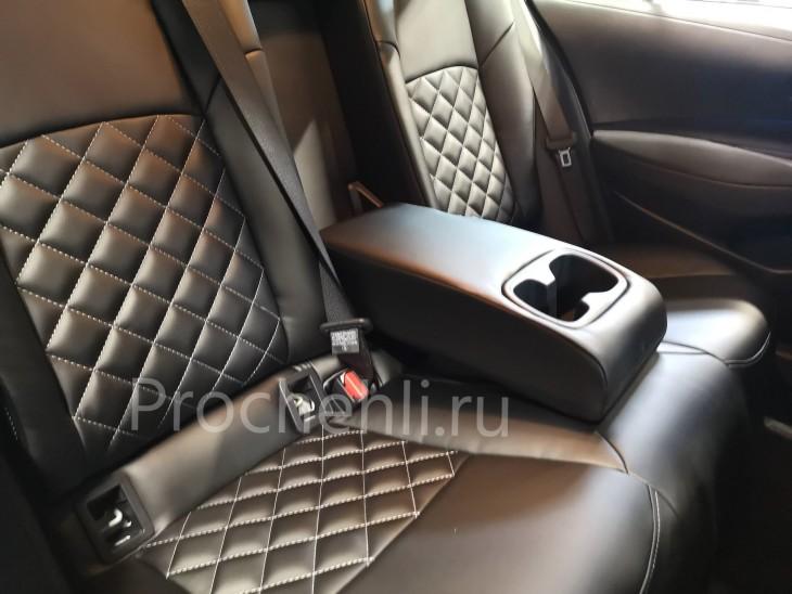Каркасные чехлы на Toyota Corolla E210 (2019) из черной экокожи №5