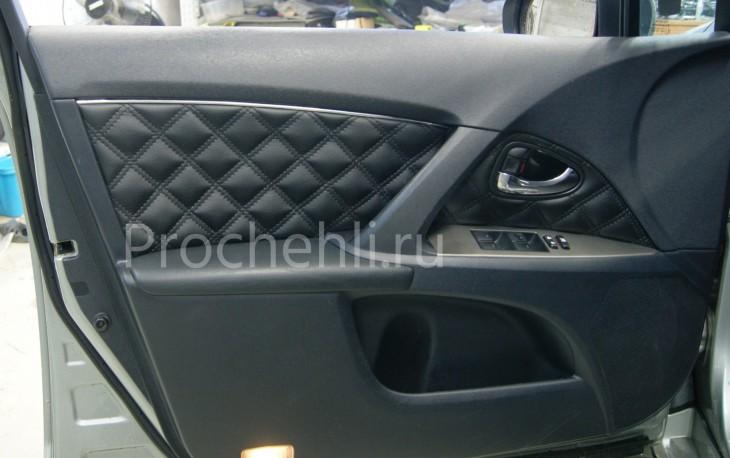 Каркасные авточехлы для Toyota Avensis 3 из черной экокожи с двойным ромбом №6