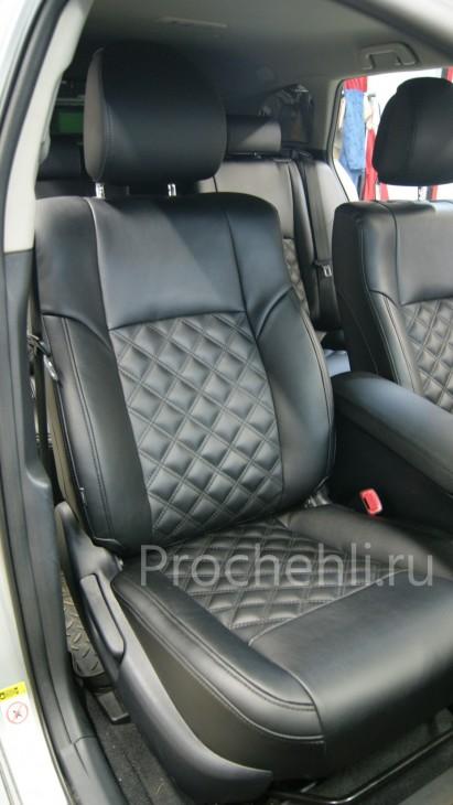 Каркасные авточехлы для Toyota Avensis 3 из черной экокожи с двойным ромбом №5