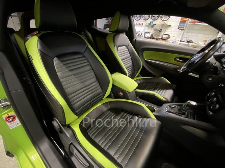 Каркасные чехлы на VW Scirocco из черной и зеленой экокожи №2
