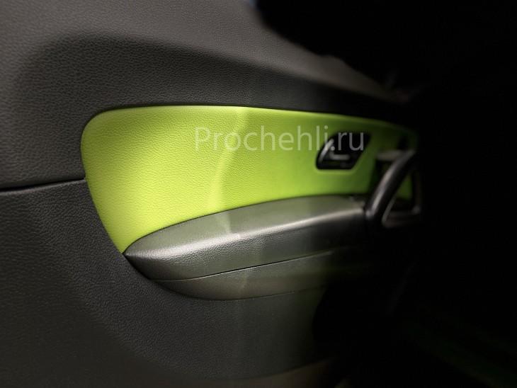 Вставки в карты дверей VW Scirocco из зеленой экокожи
