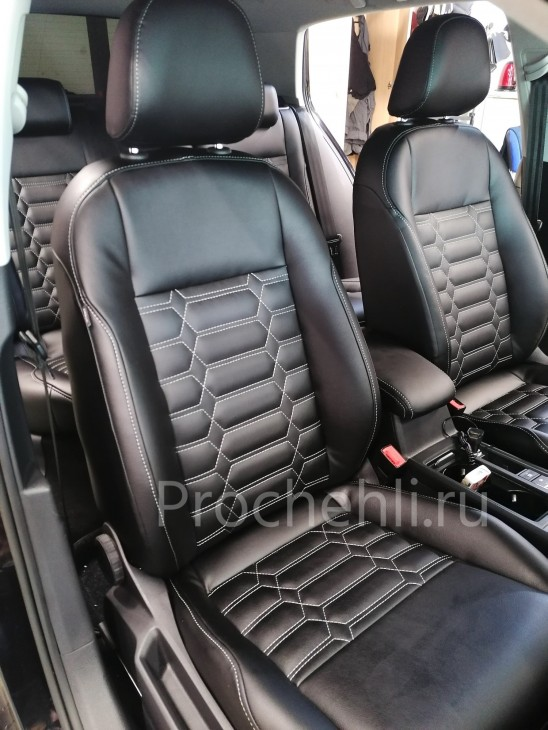 Каркасные чехлы на VW Golf 7 из черной экокожи №4