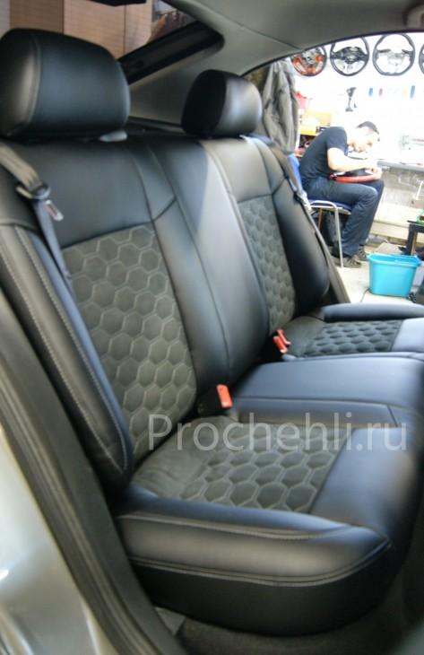 Каркасные чехлы для Skoda Octavia tour A4 из черной экокожи и алькантары №5