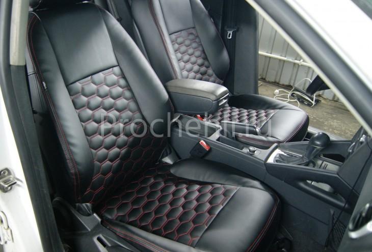 Чехлы на Audi A3 8P с эффектом перетяжки салона из черной экокожи с отстрочкой сотами №5