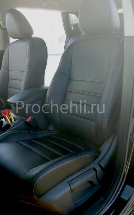 Чехлы на Nissan Qashqai 2 из черной экокожи №1