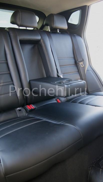 Чехлы на Nissan Qashqai 2 из черной экокожи №6