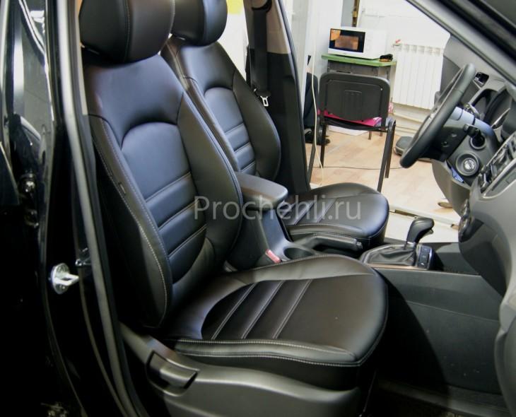 Чехлы на Hyundai Creta с эффектом перетяжки из черной экокожи №2