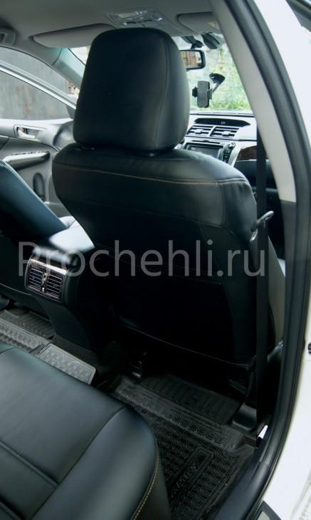 Чехлы на Toyota Camry 7 с эффектом перетяжки салона из черной экокожи с двойной строчкой №4
