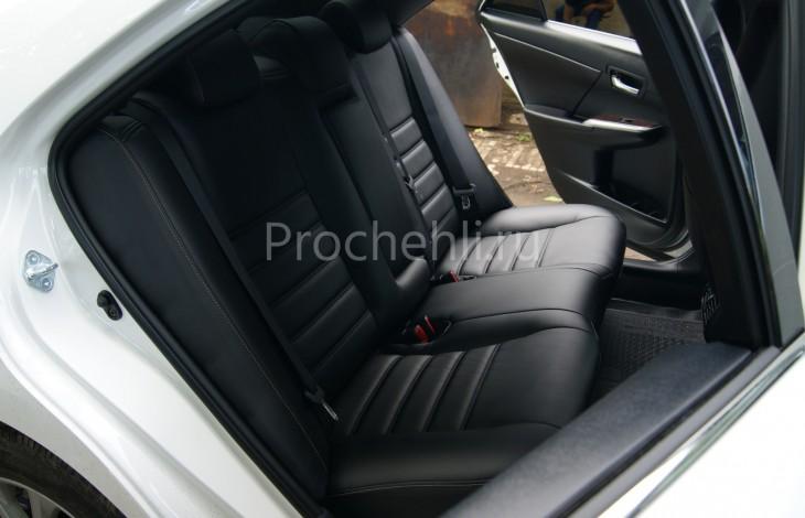 Чехлы на Toyota Camry 7 с эффектом перетяжки салона из черной экокожи с двойной строчкой №6