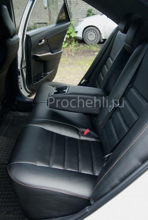 Чехлы на Toyota Camry 7 с эффектом перетяжки салона из черной экокожи с двойной строчкой №9