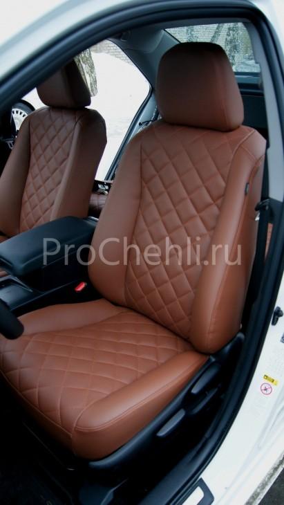 Чехлы на Toyota Camry 7 с эффектом перетяжки салона из экокожи Дакота с отстрочкой ромбиком №2