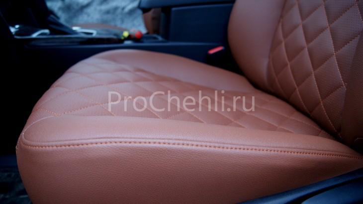 Чехлы на Toyota Camry 7 с эффектом перетяжки салона из экокожи Дакота с отстрочкой ромбиком №3