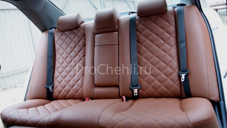 Чехлы на Toyota Camry 7 с эффектом перетяжки салона из экокожи Дакота с отстрочкой ромбиком №6