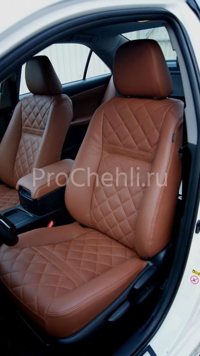 Чехлы на Toyota Camry 7 с эффектом перетяжки салона из экокожи Дакота с отстрочкой ромбиком №9