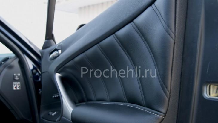 Вставки в карты дверей Lexus IS из черной экокожи №2